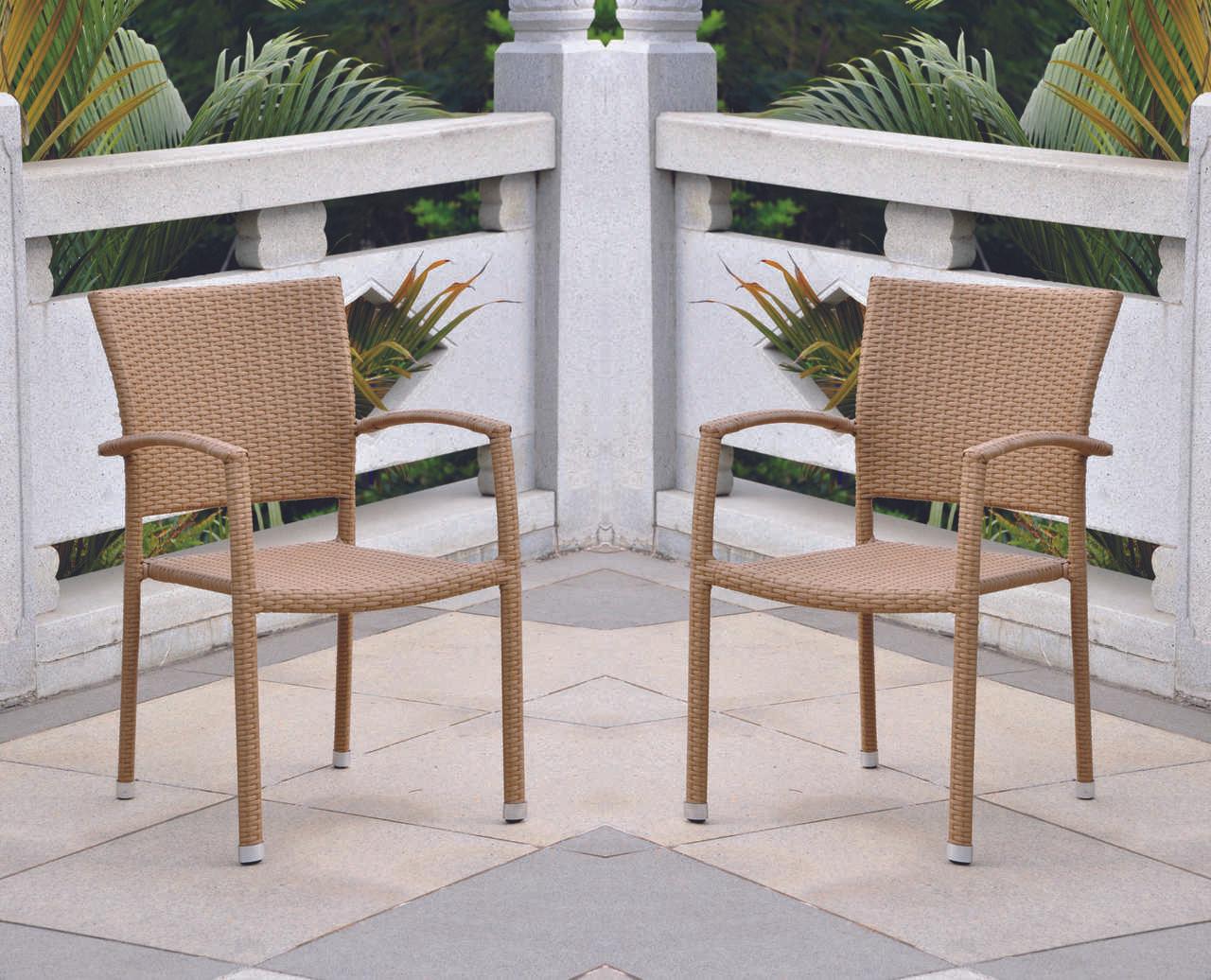International Caravan Barcelona Resin Wicker Square Back Dining Chair (Set  of 4)