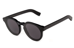 Illesteva Two Point One Sunglasses In Matte Black