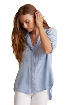 Bella Dahl Split Back Button Down Shirt In Sunbleach wash