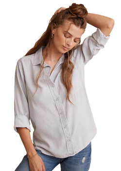 Bella Dahl  Shirt Tail Button Down Shirt In Foggy Sky