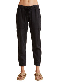 Bella Dahl Pocket Jogger Without Rips In Vintage Black