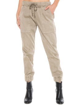 Bella Dahl Pocket Jogger Without Rips In Soft Khaki