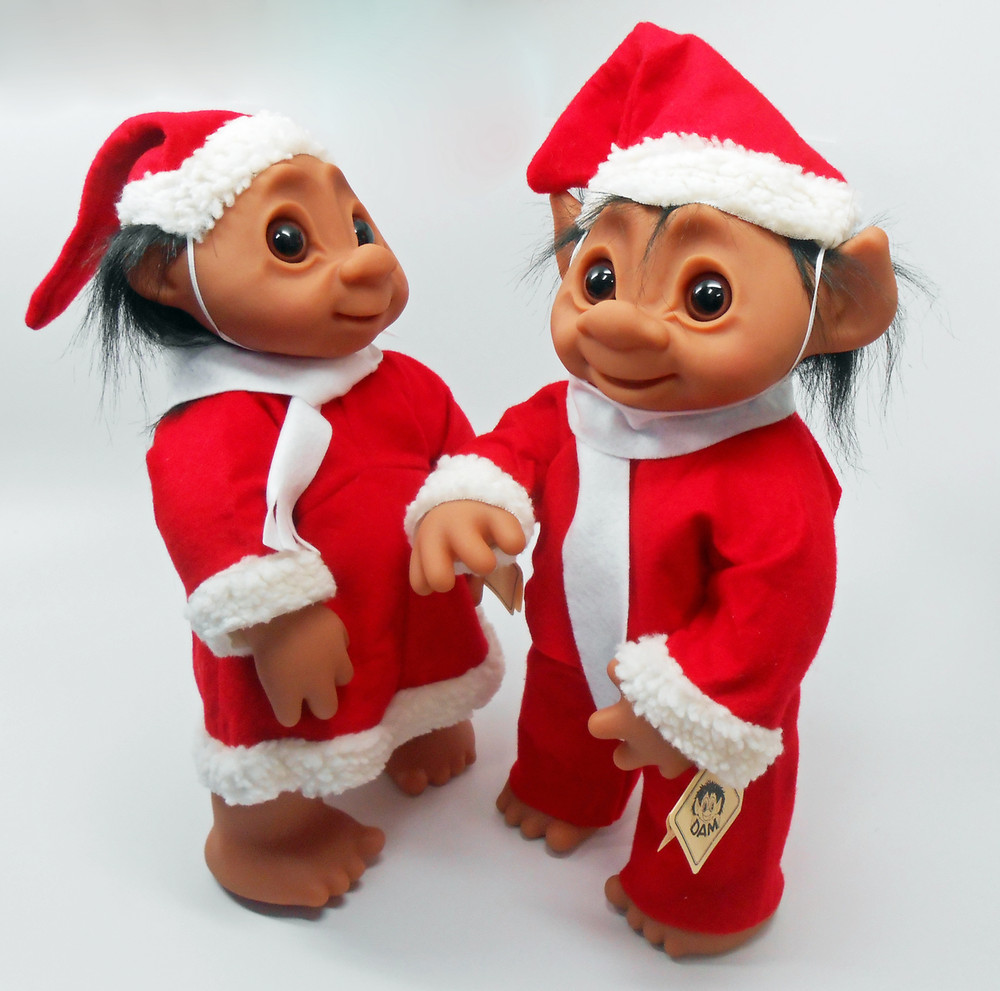 Christmas Outfits.Dam Trolls Set Of 2 Boy And Girl In Christmas Outfits 16 Inches
