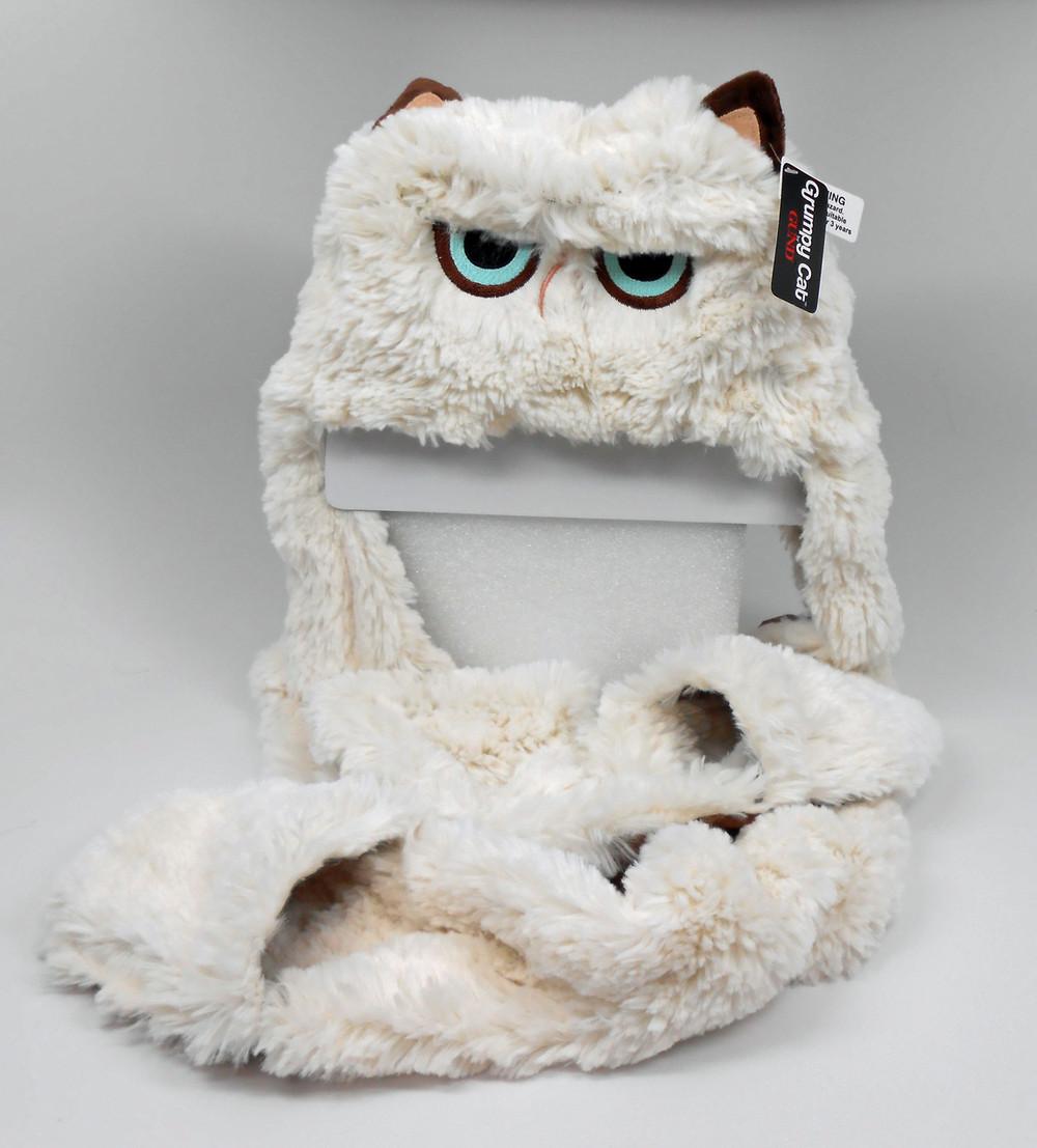 a4bab6b9588 Gund Grumpy Cat Kids Scarf Hat I Curly Dani