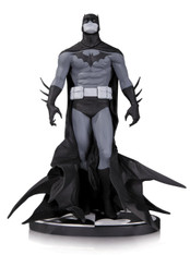 DC Collectibles Batman Black & White: Batman by Jae Lee Statue, 7.8 inch (19.8 cm)