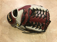 Custom Vinci 13.5 White with Bordeaux / Black Laces T Web