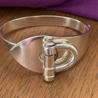 Silver Bracelet with Shackle Equestrian-Style Design