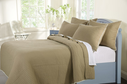Pom Pom Sand Quilt SET from Greenland
