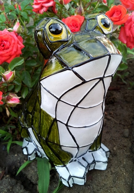 Solar Animal Frog With Stained Glass Effect And White LED Light.