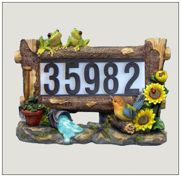 Solar Decorative House Address Light with Frogs.