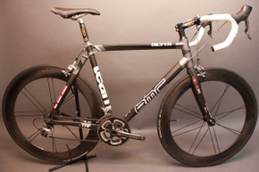 BMC Team Machine SLT01 55cm Carbon Road Bike: Bontrager Aeolus Carbon Wheels, Dura Ace 7800