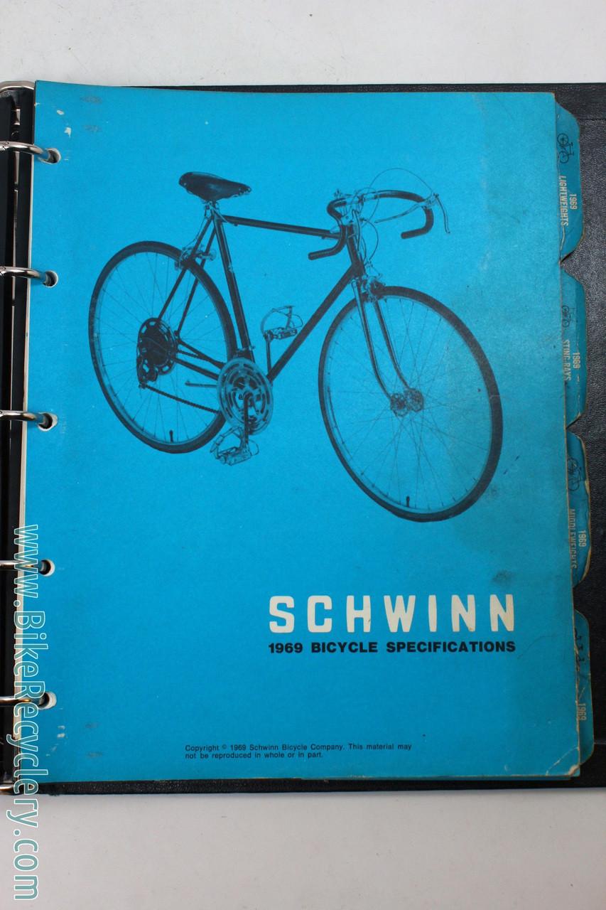 1969 Schwinn Bikes Dealer Catalog: Black Binder - Heavy Paramount &  Stingray Content - 74p