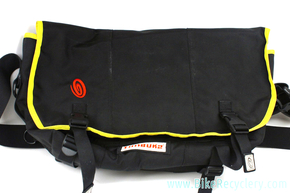 Timbuk2 Classic Commuter Messenger Bag: XL Deep - Black & Yellow - Laptop LoveGlove (new 2nd w/damage)