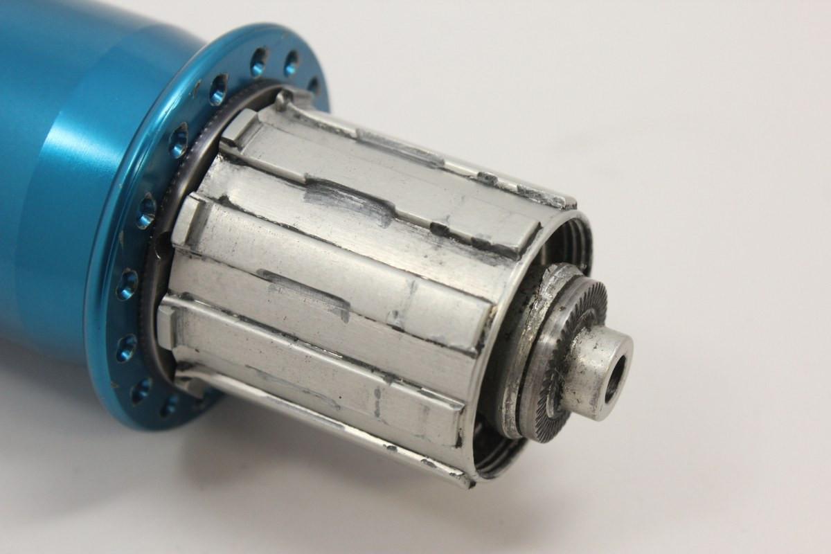 Machine Tech Power Claw Rear Hub: Silent Clutch, Unique & Rare! Anodized  Blue, 32H