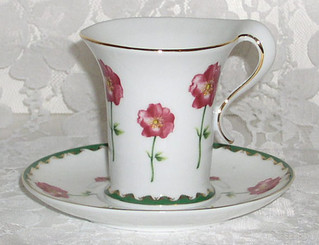 Lovely porcelain flowered mug with saucer - Gift Boxed