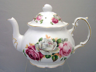 Summer Bloom Alice 4 cup English Bone China teapot