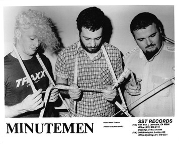 "THE MINUTEMEN 8""x10"" B&W GLOSSY PRESS PHOTO 9 pages of SST Records Press 1985"