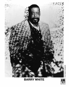 BARRY WHITE 8x10 b&w Press Photo1994 A&M PRESS DEPARTMENT