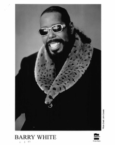 BARRY WHITE Press Kit 8x10 b&w Press Photo STAYING POWER 8 Pgs. Clips 1999