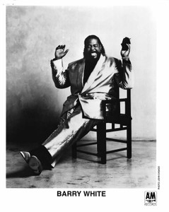 BARRY WHITE 8x10 b&w Press Photo1991 PUT ME IN YOUR MIX A&M PRESS DEPARTMENT