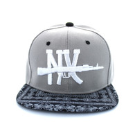 SM267 New York Snapback Cap (Light Grey & Bandana Black)