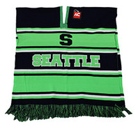WP010 Winter Seattle Poncho (Navy & Lime)