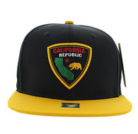SM843 California Bear Cotton Snapback Cap Hat (Black & Gold)