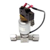 Swagelok 6LV-DAFR4-PX-CM Diaphragm Valve w/ NVZ110 + Z-15HS-B7 - Used