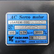 Yaskawa USAREM-03C FJ11048 Industrial AC Servo Motor 300W 9.74 kg/cm 3000RPM