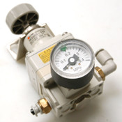 SMC IR2000-F02 Pneumatic Precision Regulator With SMC Gauge