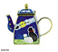 ENK758 Kelvin Chen Cats Watching Santa Enamel Hinged Teapot