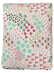 Pillowfort Reversible Pink Ditsy Floral Stitched Full Queen Bed Quilt