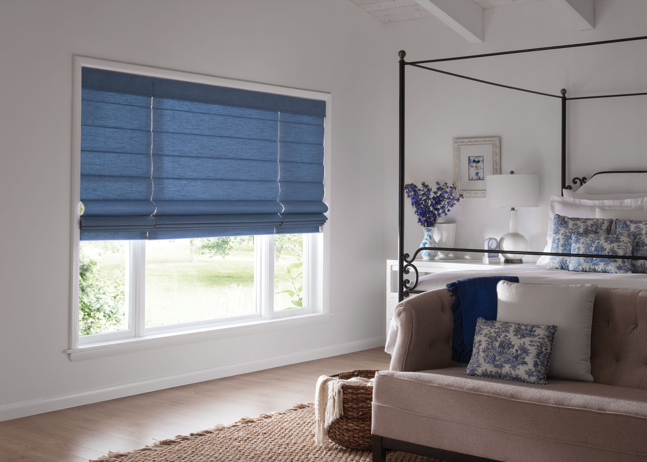graber-fabricshades-bedroom2-blue-romans.jpg
