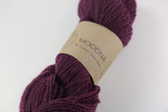 Hudson valley Fibers presents Moodna, a rustic DK weight yarn made of 40% NYS Romney and 60% USA merino. Moodna is perfect for everything from scarves and hats to sweaters.