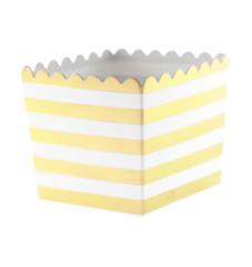 Scallop Favor / Treat Box, Gold Stripes