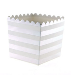 Scallop Favor / Treat Box, Silver Stripes