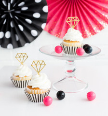 Fling before the ring, Cupcake Kit