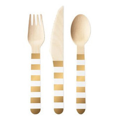 This set includes 10 forks, knives, and spoons.