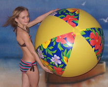 "48"" Hawaiian `Kon-Tiki` Beach Ball"