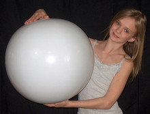 "24"" 1 Color Winter White Beach Ball"