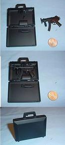 Miniature 1/6 Scale Assualt Machine Gun in Suitcase