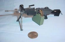 Miniature 1/6 M249 SAW Automatic Machine Gun