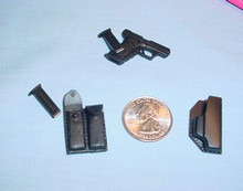 Miniature 1/6 Scale H&KP7 w/holster & Clip Pouch