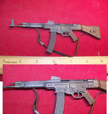 Miniature 1/6th Scale German MP 44  & Clip #1