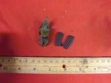 1:6th Scale Dragon Camo Rack Pouch & 2 x Clips