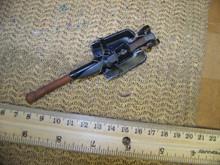 Miniature 1/6th German Metal Entrenching Tool w/carrier & Bayonet w/Sheath