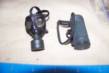 Miniature 1/6th WWII German Gas Mask & Canster