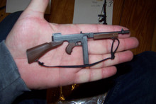 Miniature 1/6th Scale WWII US Thompson M1928A1 SMG 1