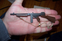 Miniature 1/6th Scale WWII US Thompson M1928A1 SMG 2