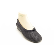 L14 Ballet slip-on in black